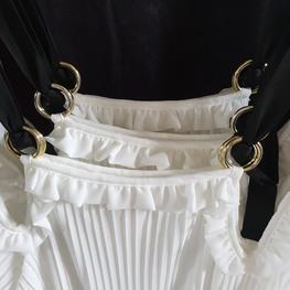 COCOMORE biała sukienka plisowana Femini