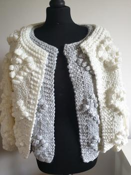 Made in Italy sweter gruby jasny szary bąbelki