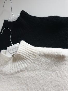 COCOMORE Sweter czarny ze stójką