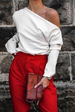 Simplicity Bluzka elegancka ecru jedno ramię